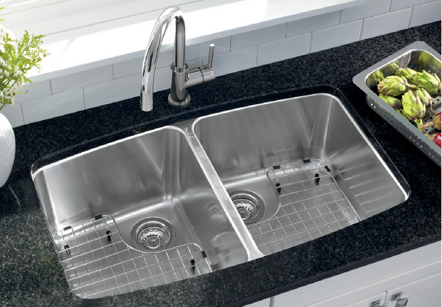 Created With An Easy To Clean Satin Polished Finish, BLANCO PERFORMA  Provides Luxury That Fits Any Kitchen.
