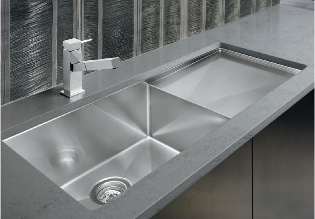 With One Dynamic Focal Point 18 Gauge Stainless Steel And Years Of Handcrafted Expertise This Sink Effortlessly Stands Out In Any Kitchen